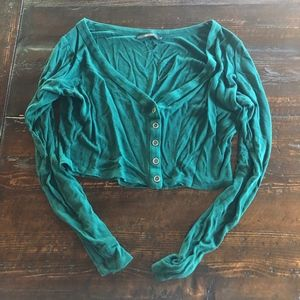 Green buttoned down long sleeve crop top